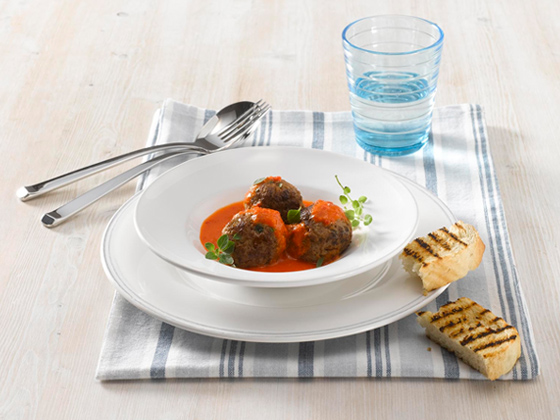Meatballs in creamy pepper sauce